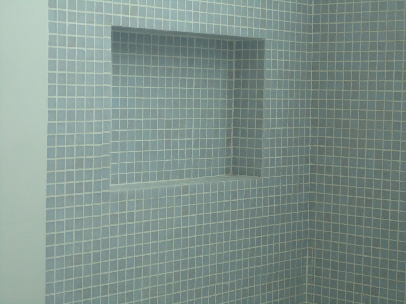 Pastilha resina cinza claro Jatobá (esse buraco retangular é u  #567562 1600x1200 Banheiro Cinza Claro