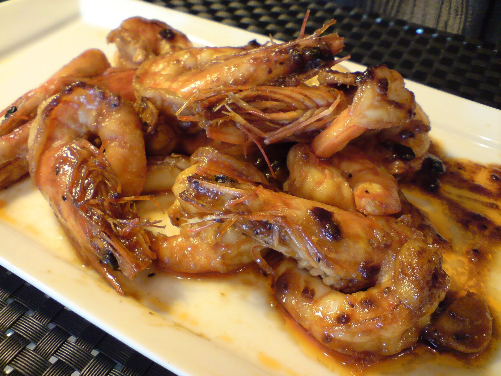 Stir-fry Prawns with Oyster Sauce and Black Pepper