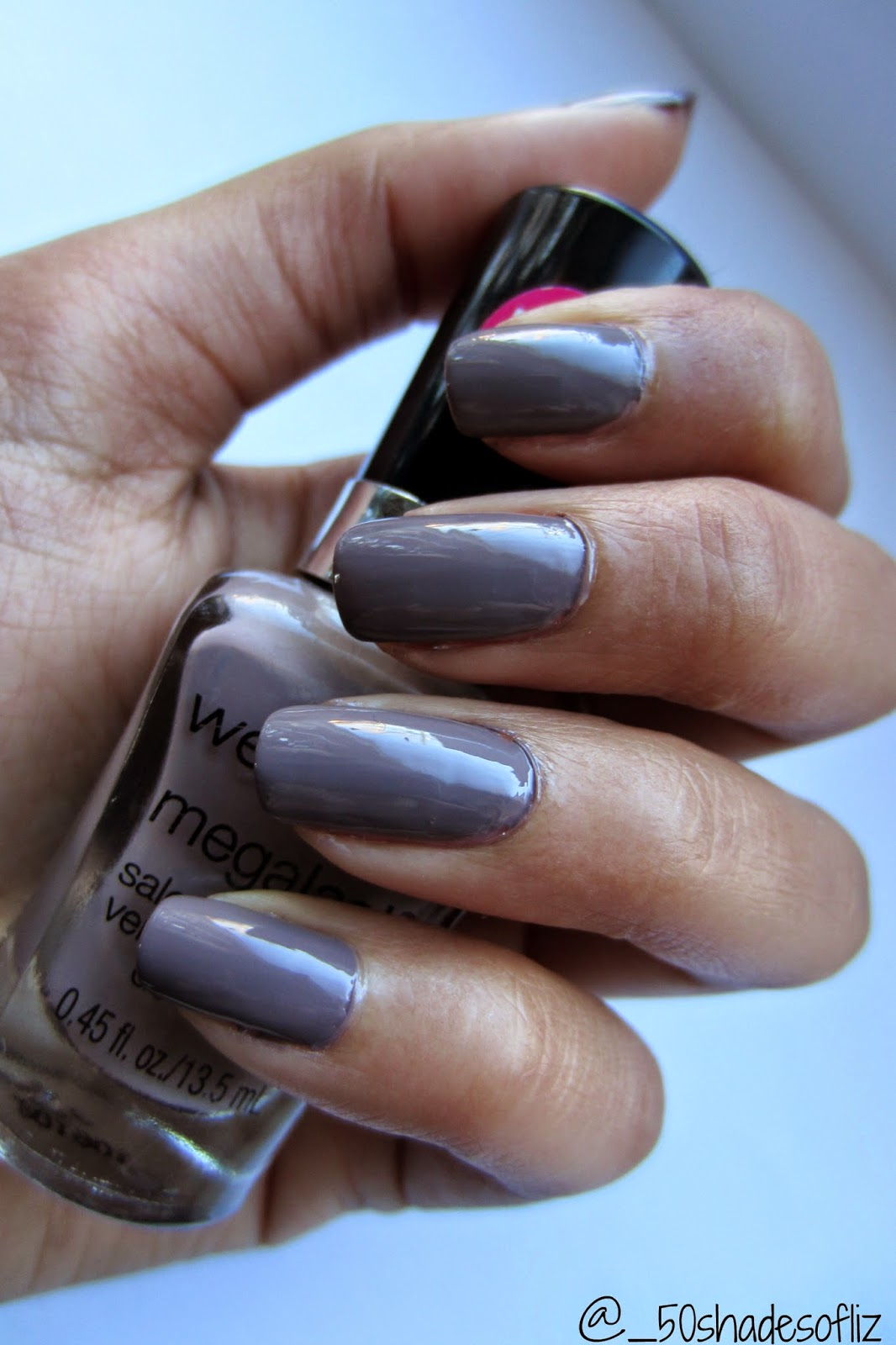 Review of Wet n Wild megalast nail polish in wet cement