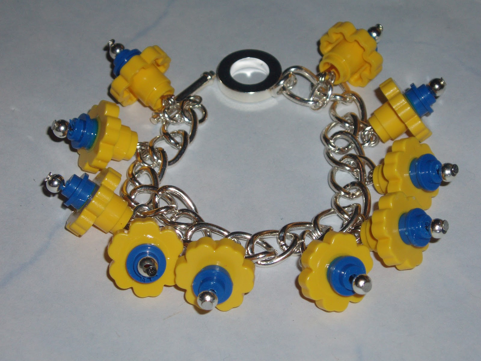 how to make a lego bracelet