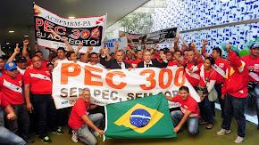 Sgt. Ricardo e companheiros PMs e BMS de todo o Brasil, na luta pela PEC 300 20 e 21/08/13 - foto 1