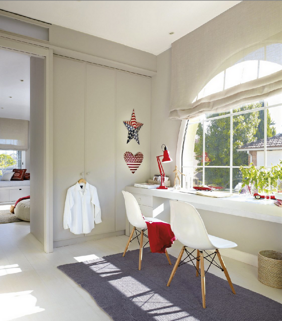 modern country style blue and red colour schemes in