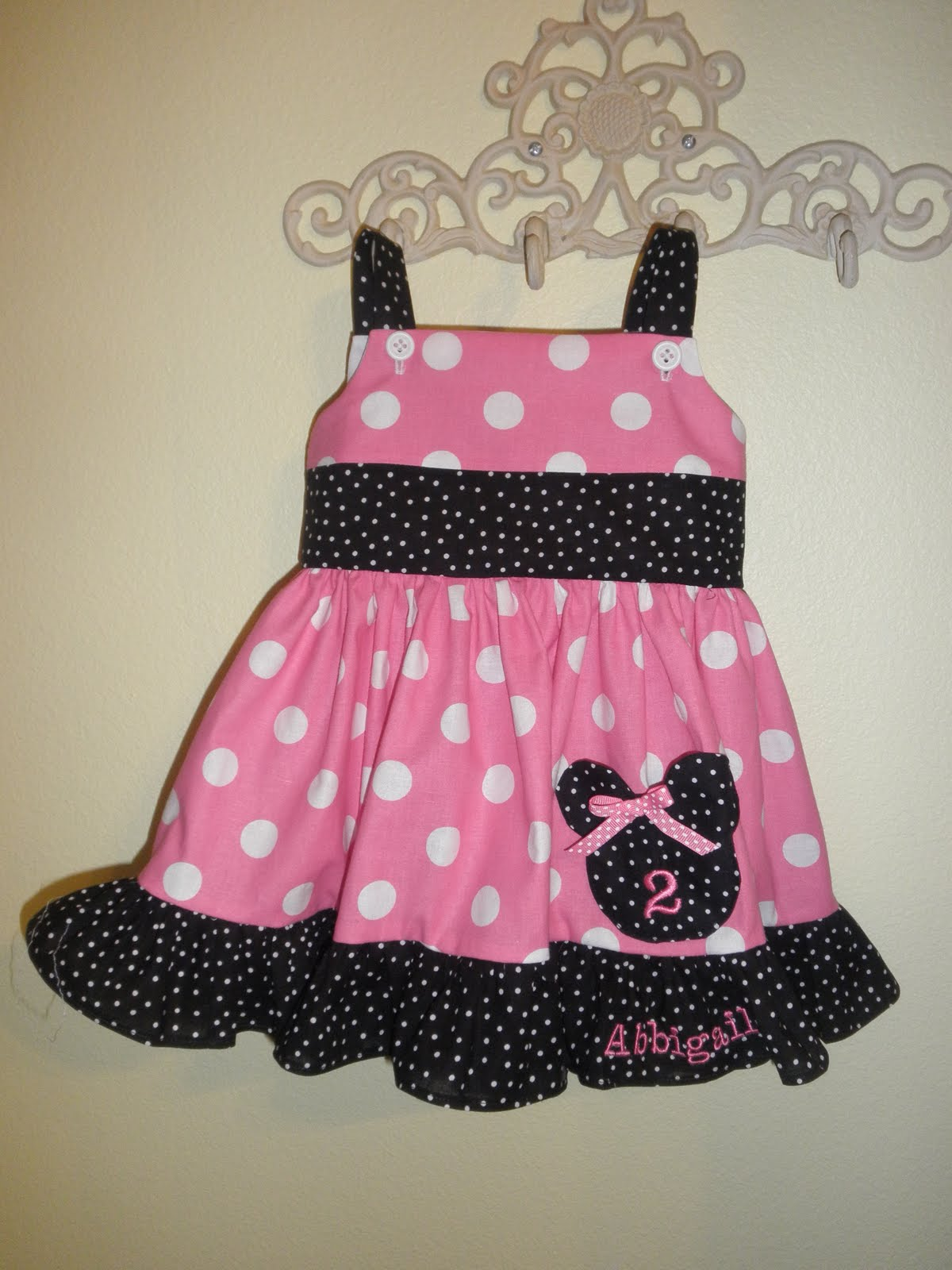 Teresa\'s Creations: Minnie Mouse for a second birthday party