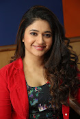 Poonam Bajwa at Radiocity fm station-thumbnail-9
