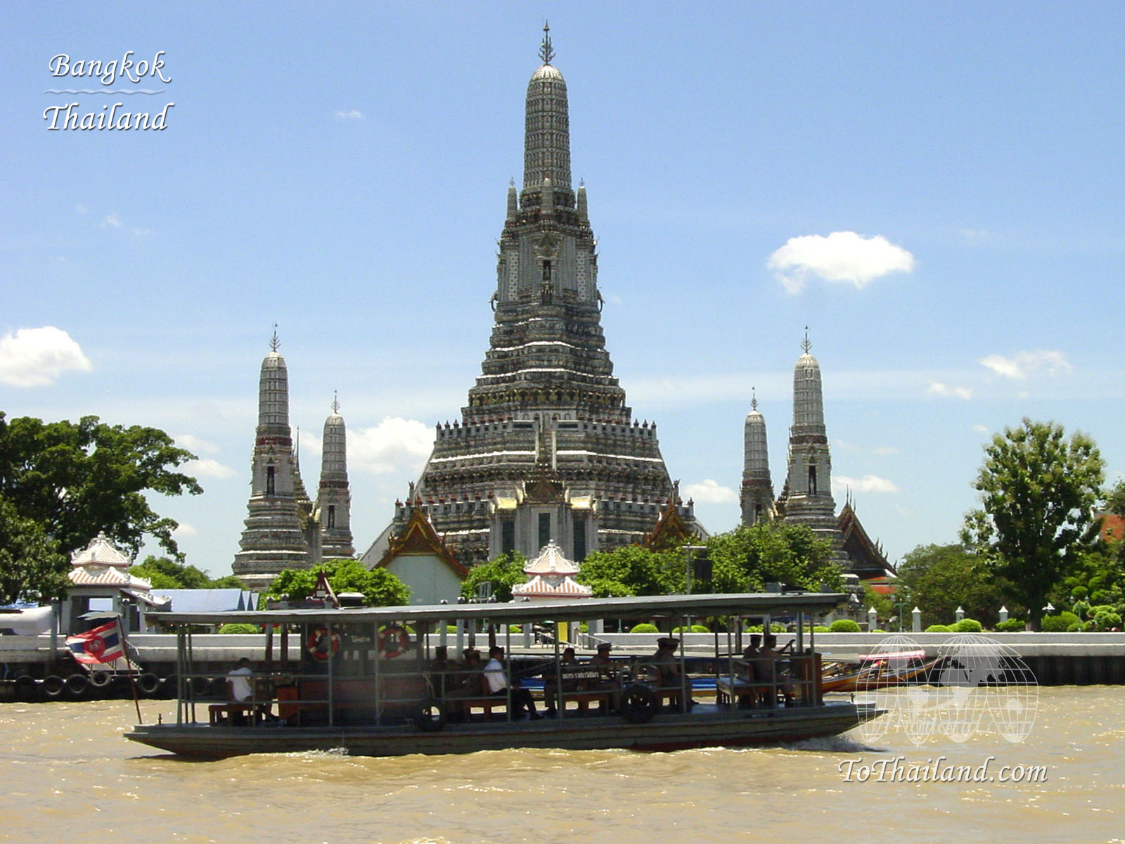 WoW Tour and Travel: WAT ARUN (TEMPLE OF DAWN)