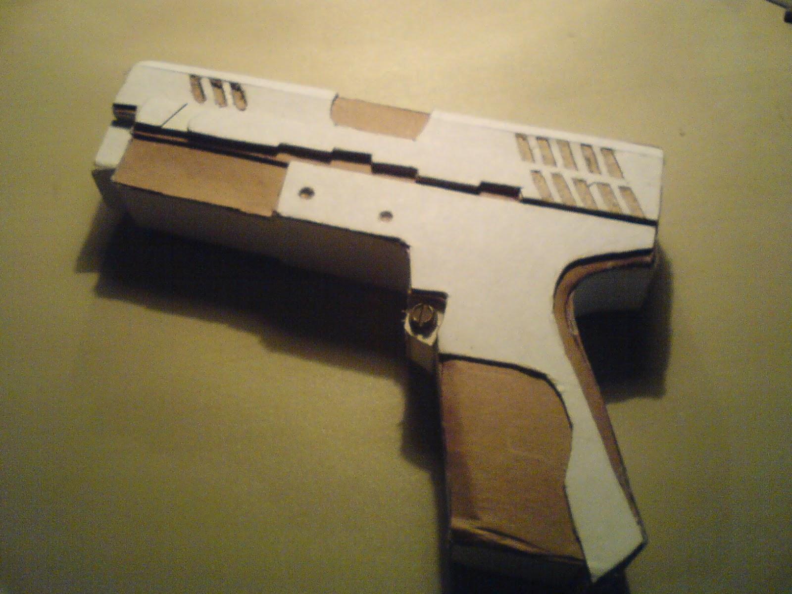 Pistola Blacktail - Resident Evil DSC04434