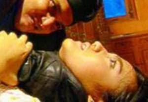 Seorang ibu diperkosa di depan suami & ke-3 anaknya