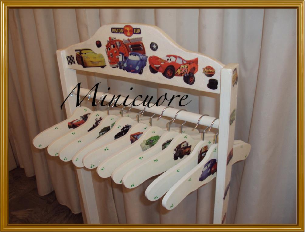 Minicuore percheros con perchitas infantiles - Fotos de percheros ...