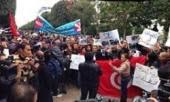 Les journalistes protestent devant le ministère de l'Intérieur