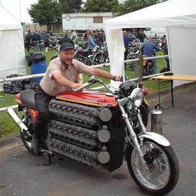 pojokasikblog.blogspot.com - Foto Motor Unik dan Luar Biasa dengan 48 Silinder