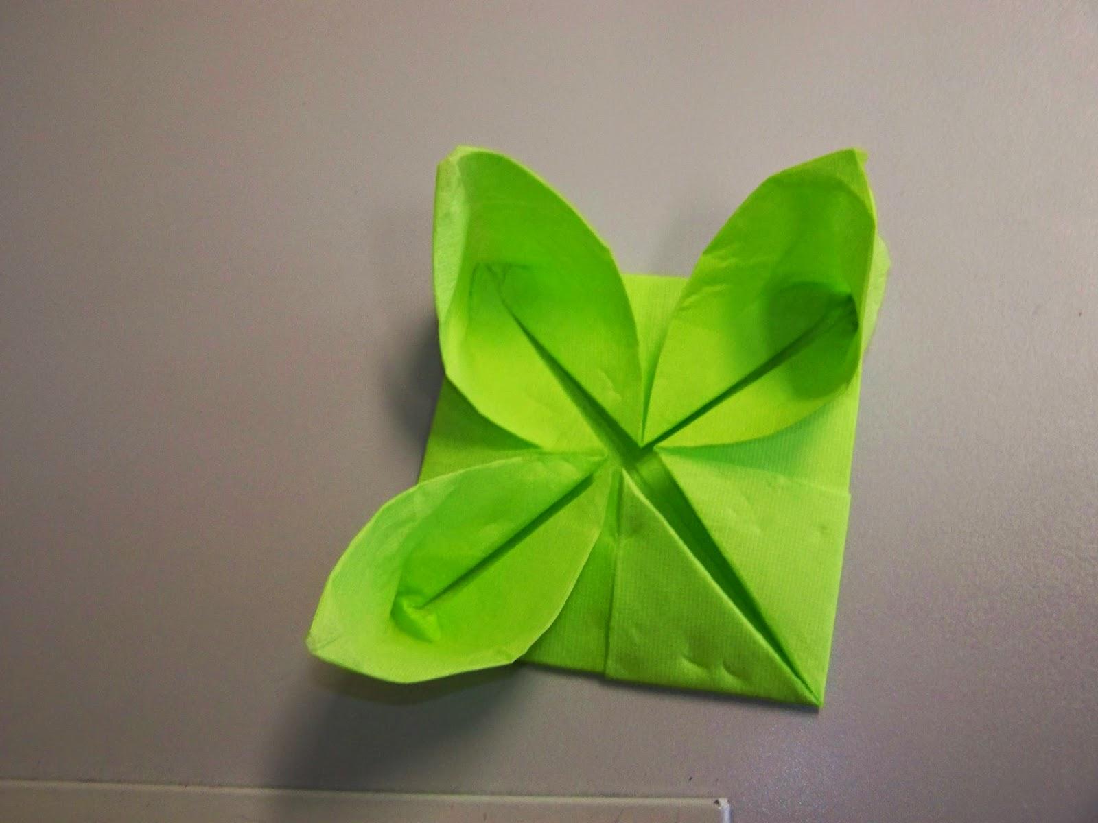 Les petits diables comment faire une fleur de n nuphar en papier - Faire une fleur ...