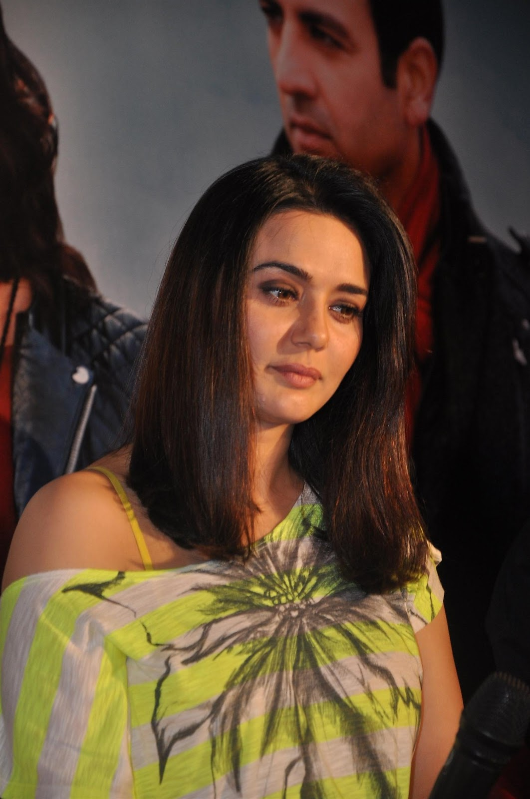 Bollywood Actress Gorgeous Dimple Girl Preity Zinta Full HD Images & Wallpapers