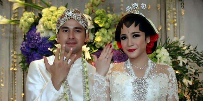 Model Baju Pesta Pernikahan Raffi Ahmad dan GIGI