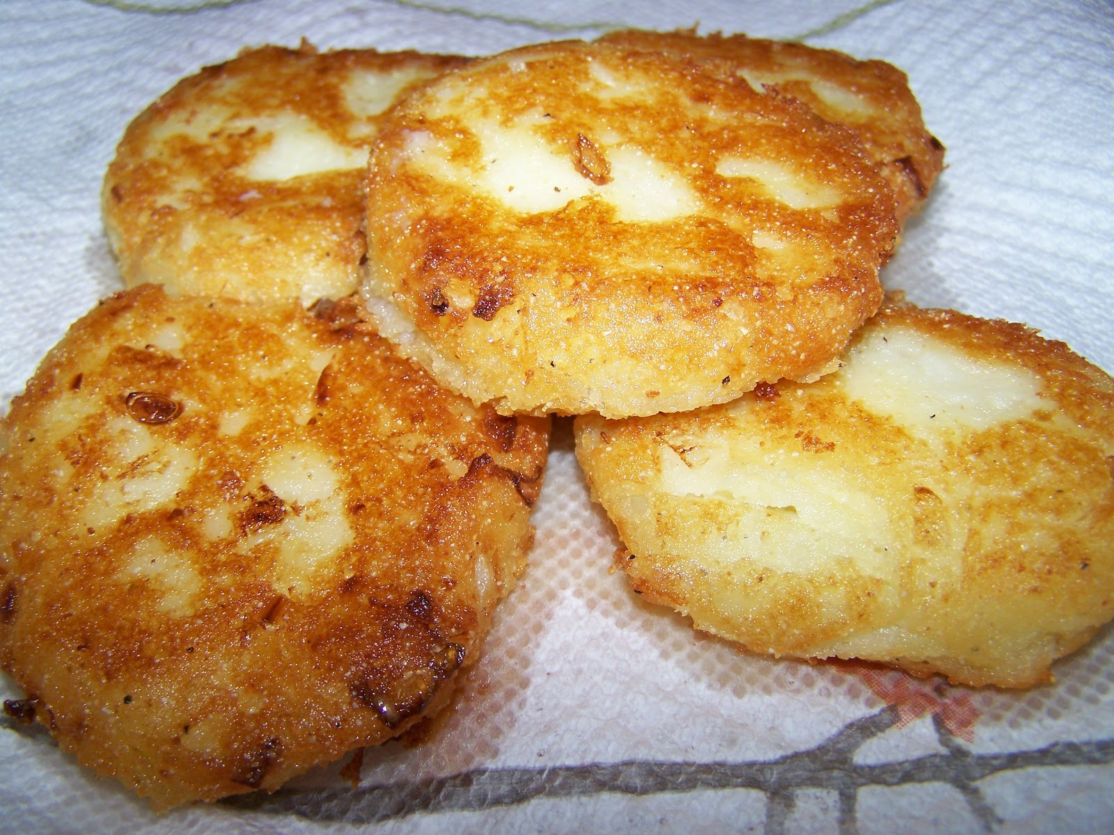... That Stuff Is Good!: Fried Potato Cakes Using Leftover Mashed Potatoes