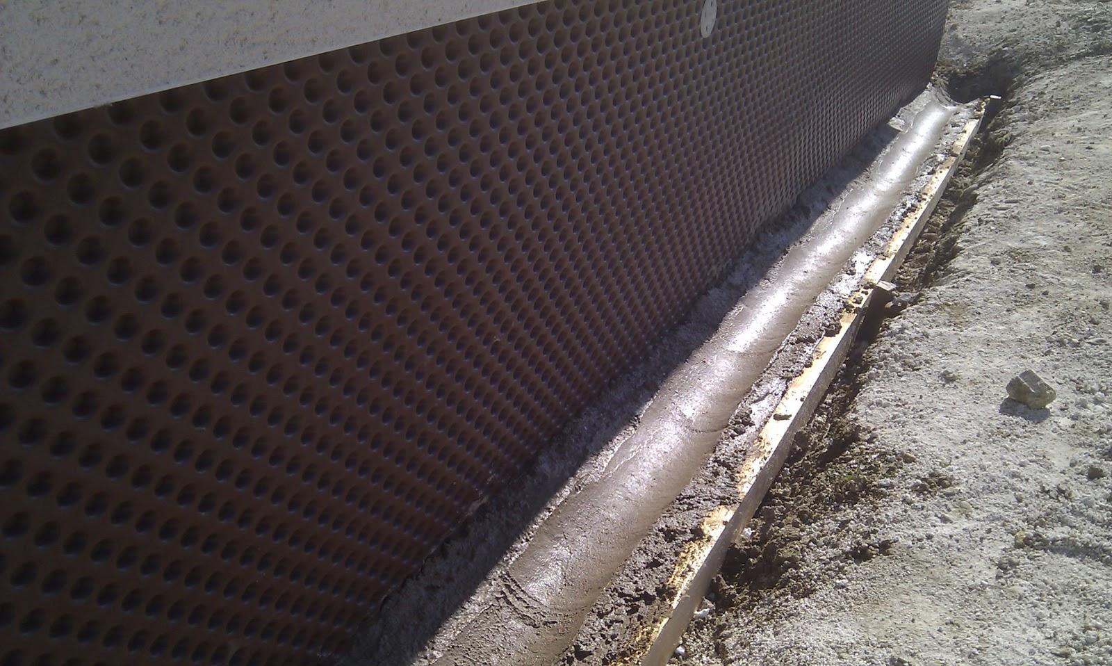 ma maison bioclimatique isolation des soubassement cunette pour drain. Black Bedroom Furniture Sets. Home Design Ideas