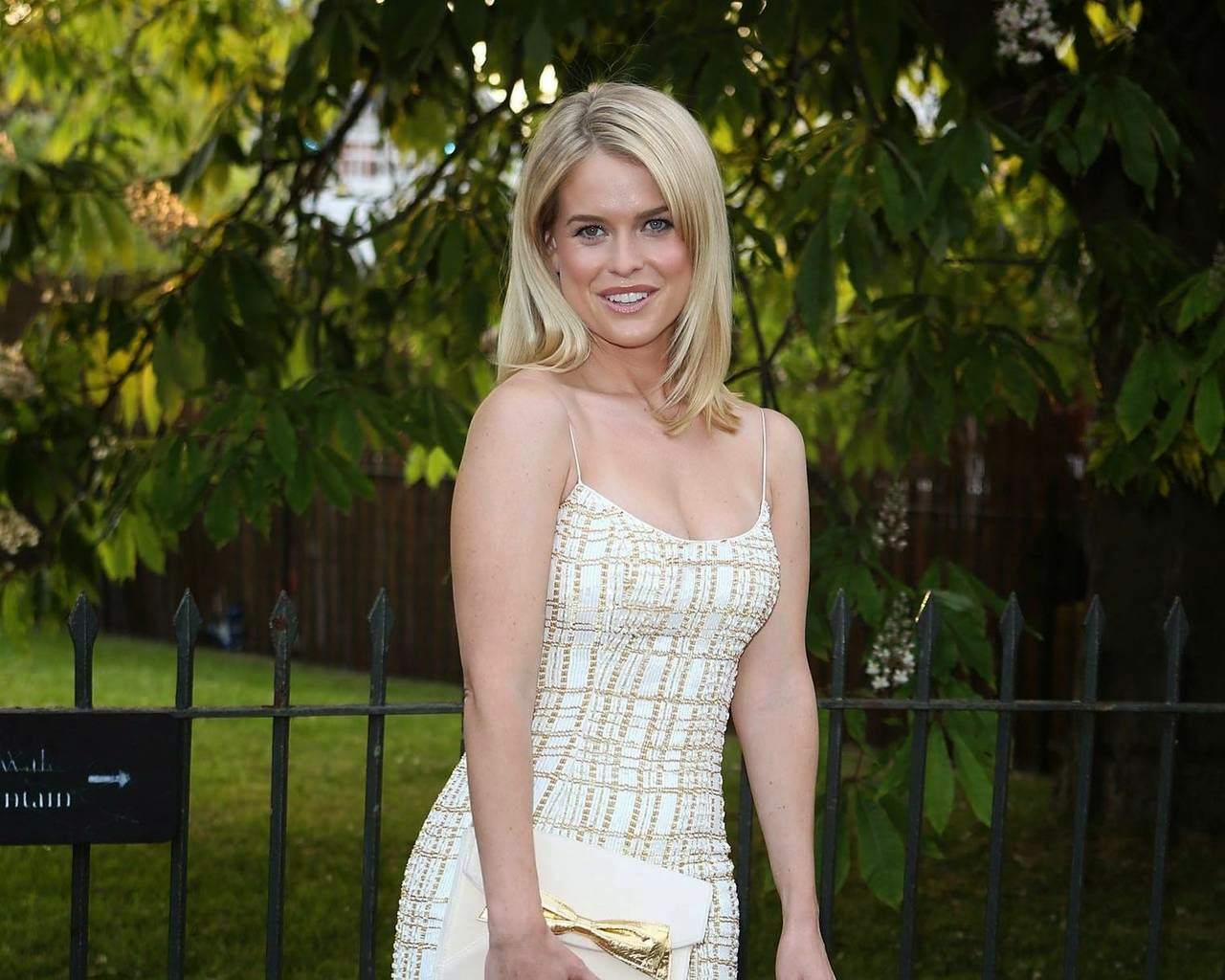 Hollywood Actress Wallpaper: Alice Eve HD Wallpapers