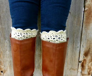 free lacy scalloped crochet boot cuff pattern