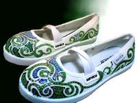 Sepatu Lukis Cewek Rp 125 000,sepatu lukis ornamen,sepatu lukis batik