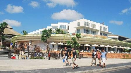 wisata belanja bali beachwalk