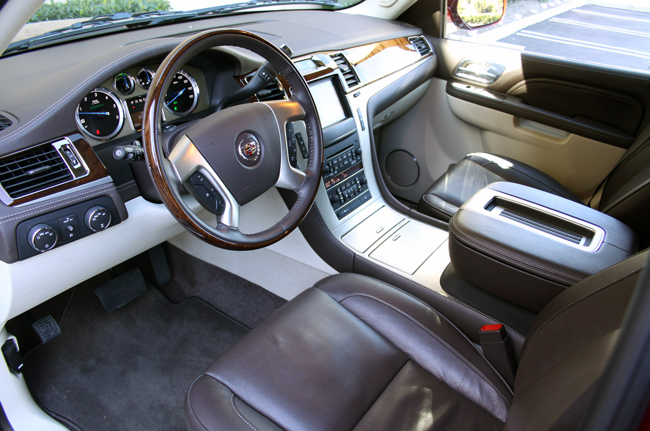 Cadillac Escalade to get new lease on life in 2014 - World News Cars