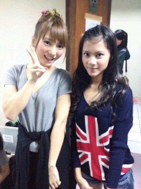 Tim KIII JKT48 Foto Bersama Aki Takajo AKB48 (JKT48)