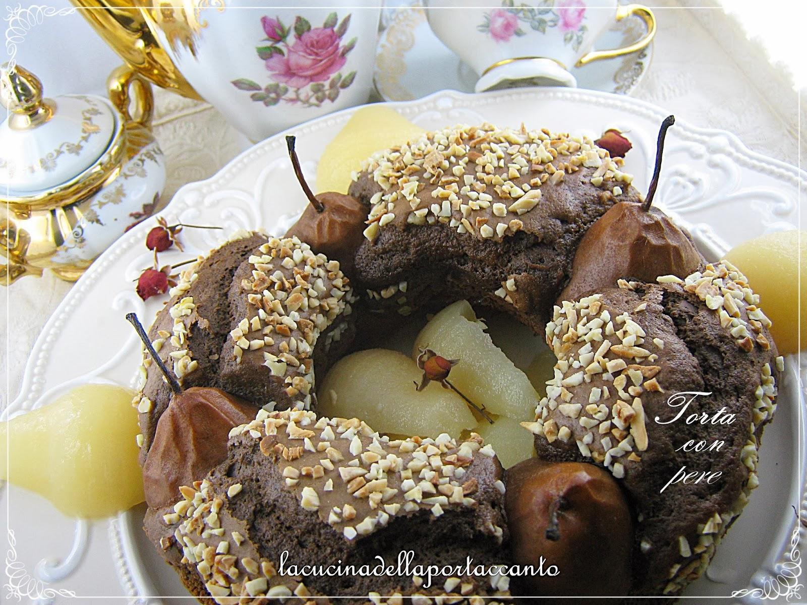 torta al cioccolato fondente con pere e nocciole al marsala