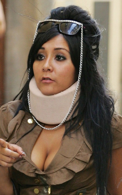 Snooki Sports A Neck Brace After Car Accident (PHOTOS)