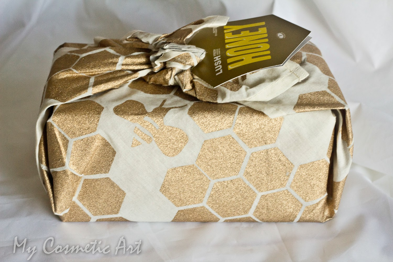 Honey, un nuevo regalo de Lush (unboxing).