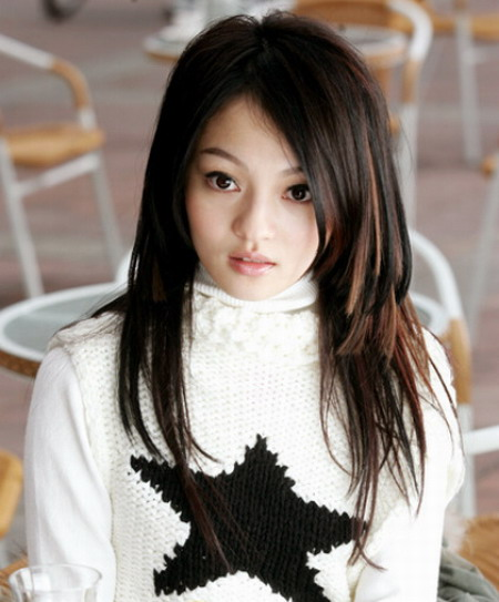 Singer Angela Zhang Shao Han