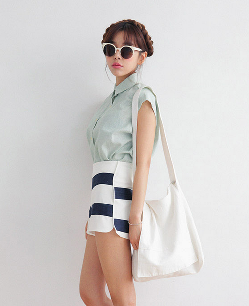 Fine Striped Sleeveless Shirt
