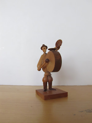 https://www.etsy.com/listing/156478788/small-wooden-figurine-drummer-borowik
