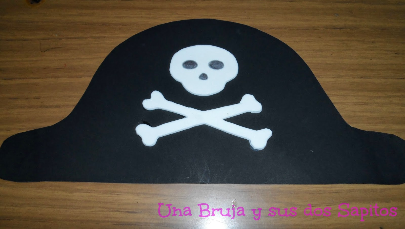 sombrero de pirata en cartulina