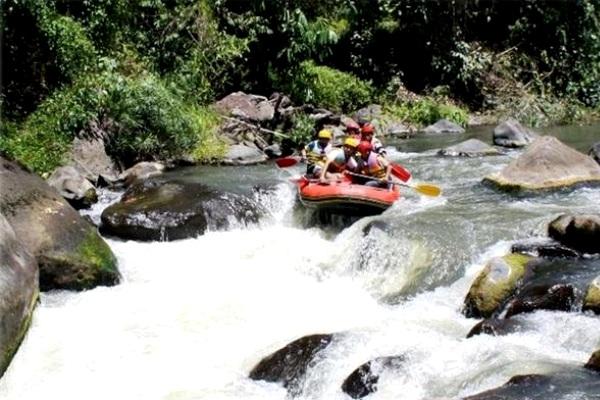 Rafting on Nimanga River, North Sulawesi. AeroTourismZone