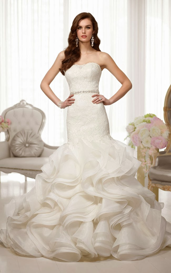 Essense Trumpet Lace Wedding Dress