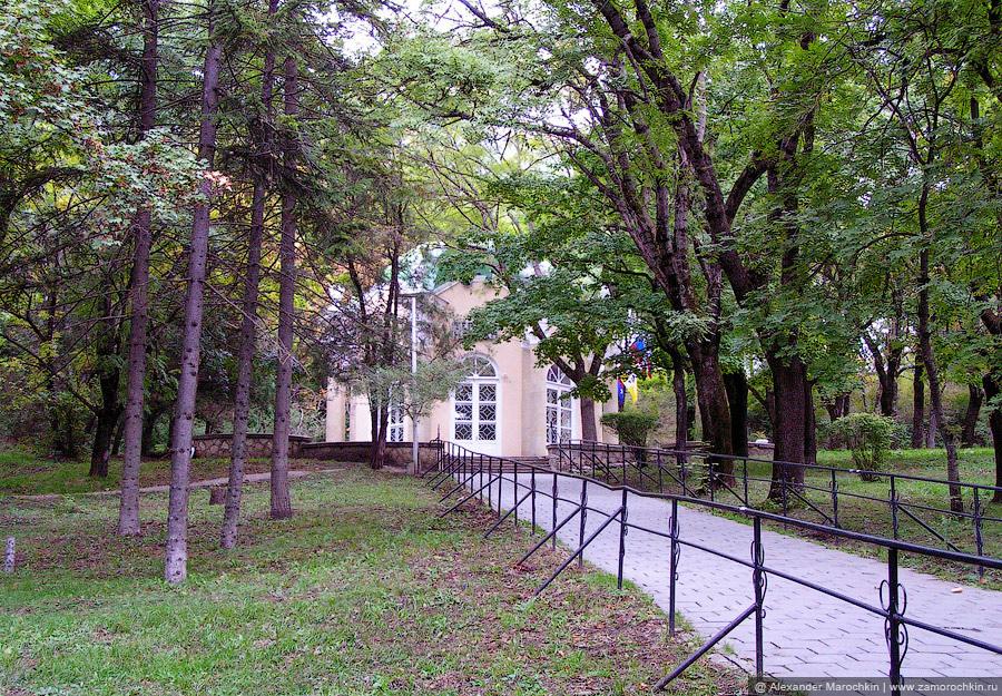 Питьевой бювет источника №7 Тёплый нарзан в Пятигорске
