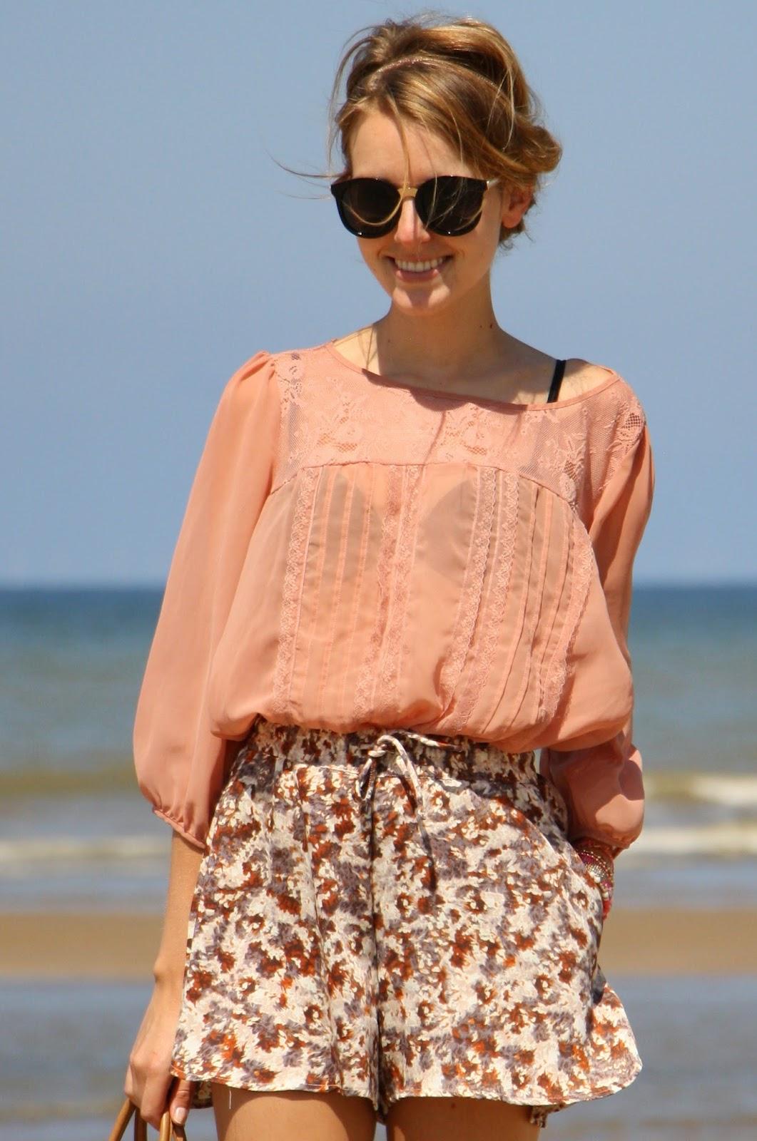 fashionmoodboard strand outfit