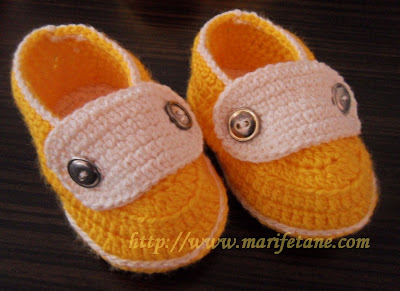 home crochet baby shoes