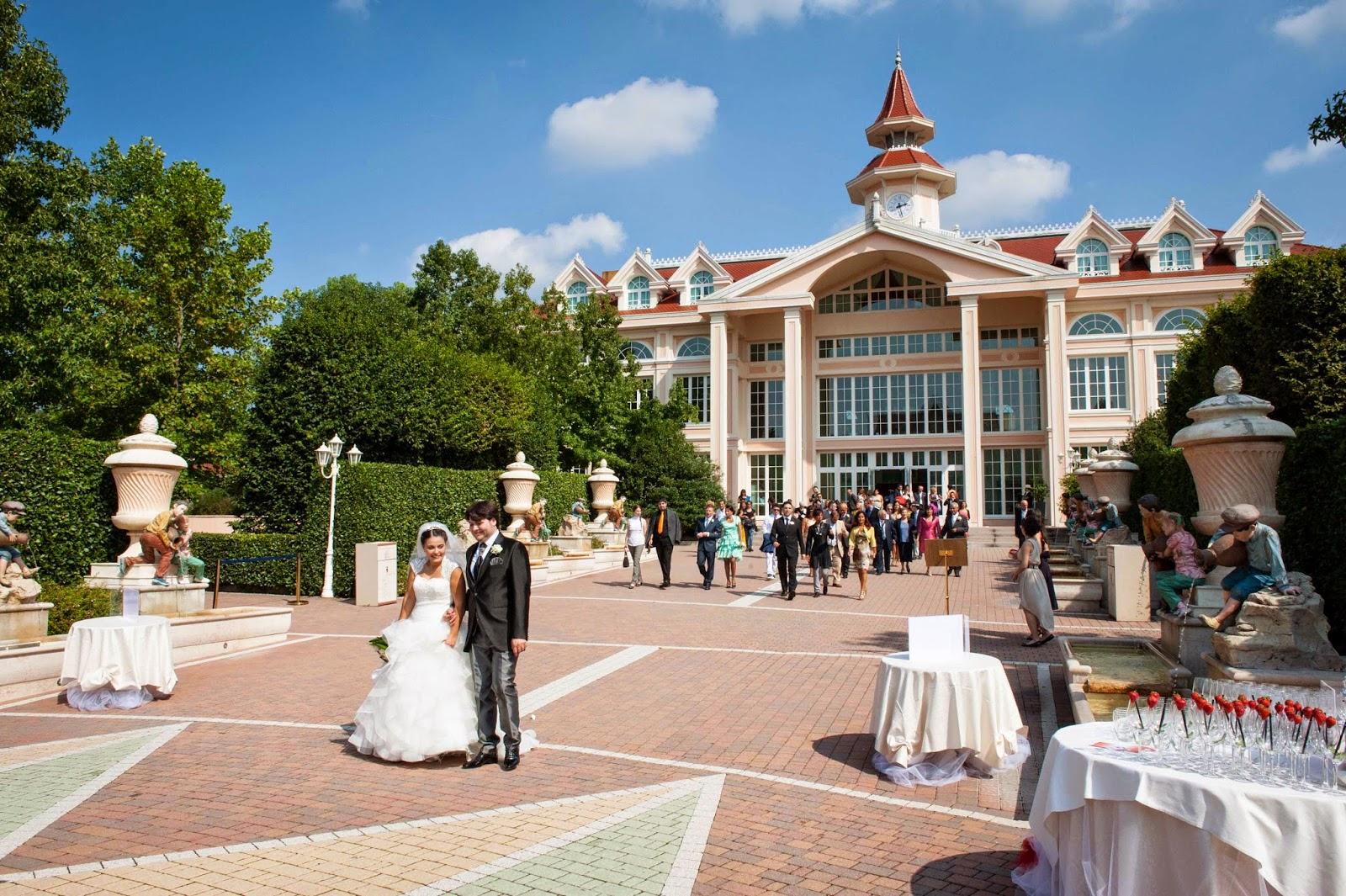 Matrimonio sito web vestito costruttore
