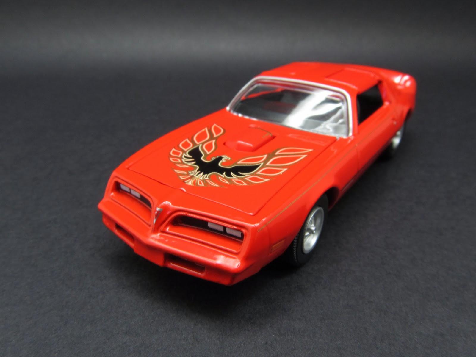Diecast Hobbist: 1977 Pontiac Firebird Trans Am - Old School (2003)