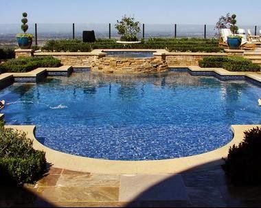 Fotos de piscinas piscinas angostas for Cantidad de sal para piscinas