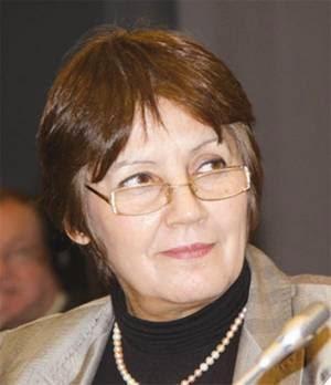 السيدة نورية بن غبريط