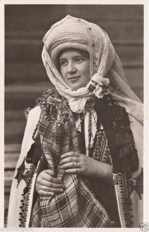 1000+ images about Romanian traditional clothing on Pinterest