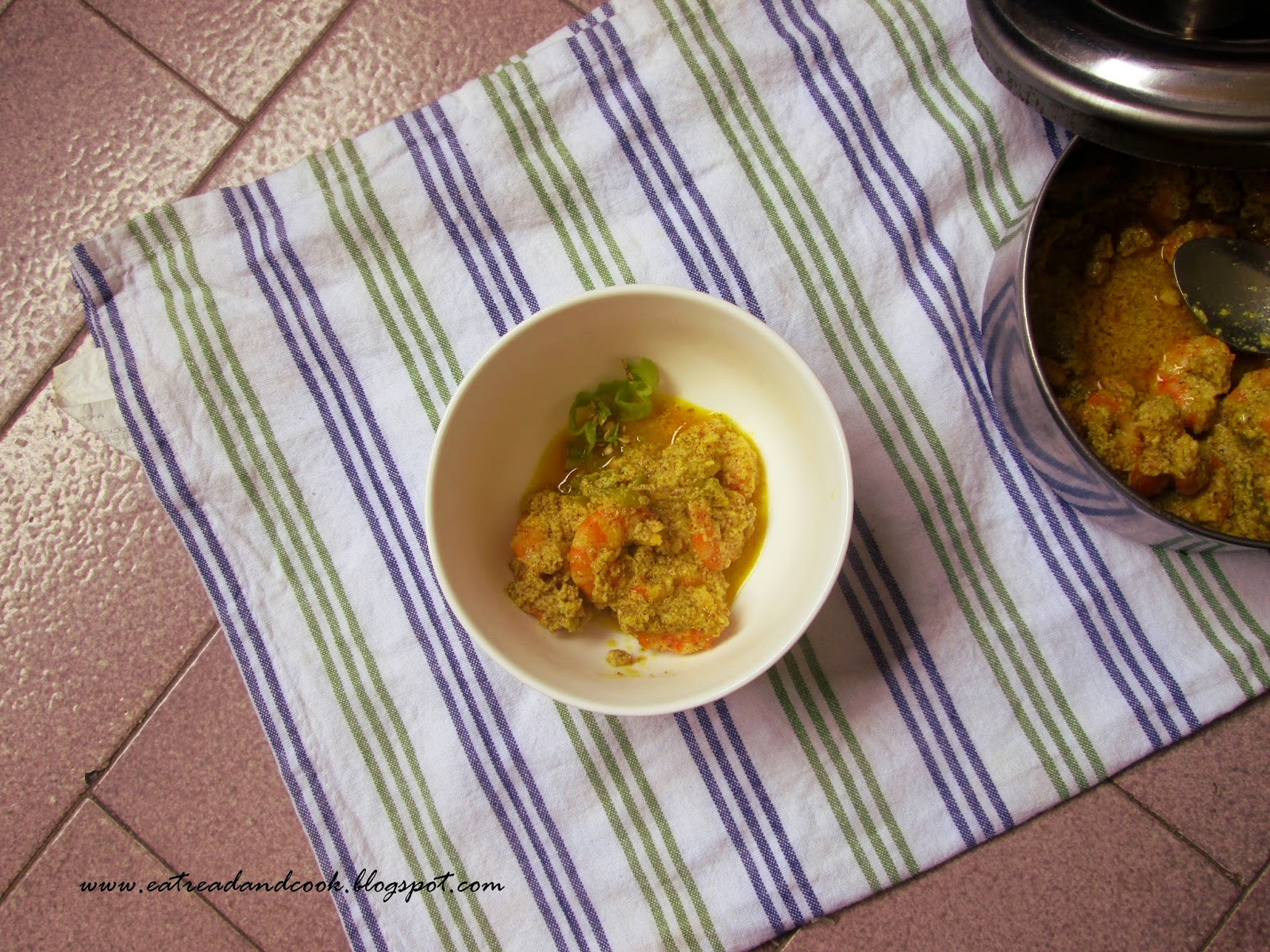 bengali style Steamed Prawns with Mustard Paste recipe