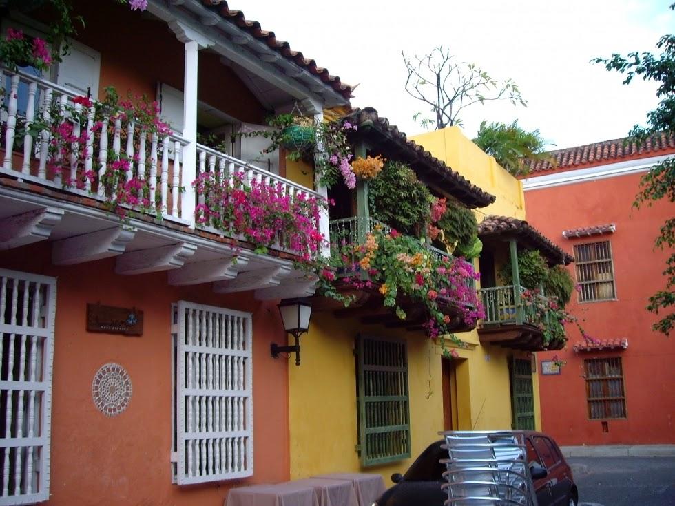 Bellos balcones decorative garden fencing for Mobiliario para balcones