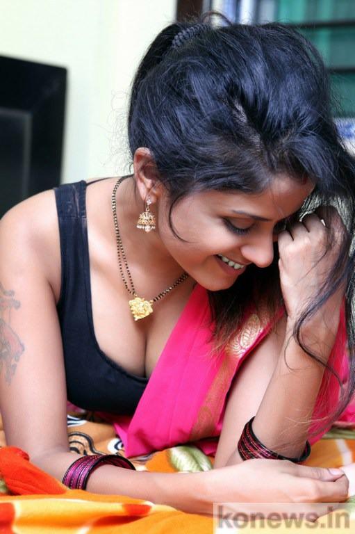 actress anukriti boobs
