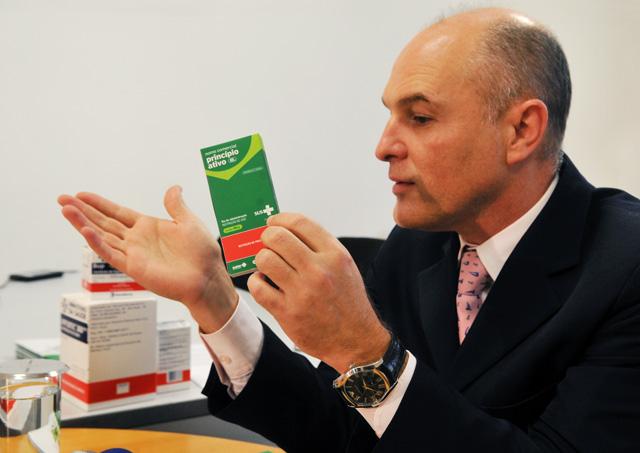 O diretor-presidente da Anvisa, Dirceu Barbano, anuncia mudança na embalagem dos medicamentos distribuídos pelo Ministério da Saúde