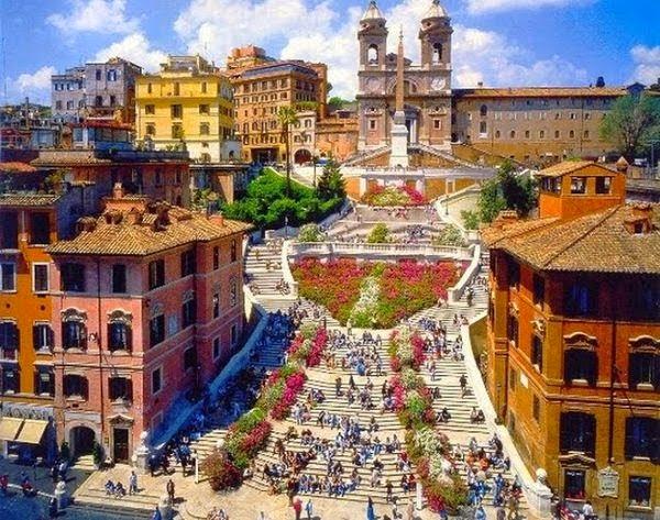 Plaza de España, Roma. Las Plazas más bonitas de Europa