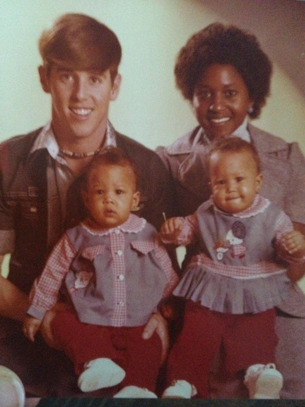 Found old pics of tia and tamera with thier parents