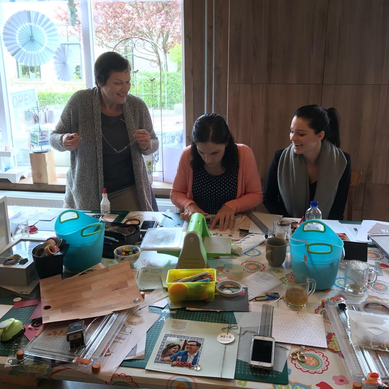 Mam, Sandra, en ik @ Bij Oma Dee