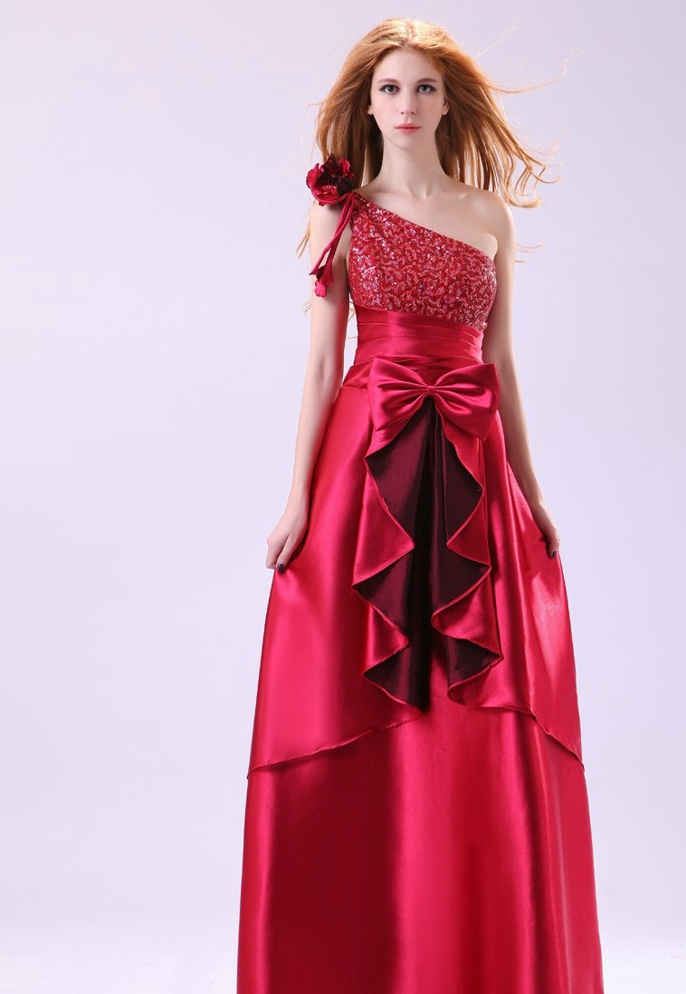 ... prom partners. One shoulder dresses are available in different stuffs